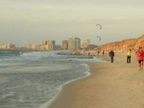 HaTsuk Beach, Tel Aviv